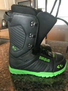 ThirtyTwo Snowboard Boots Men's Size 9 ONLY Worn Twice