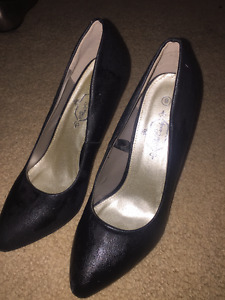 Brand New Shoe candy Leather stilettos