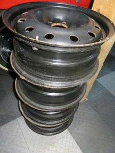 4 Honda-Acura 16 inch steel rims used only 2 winter seasons