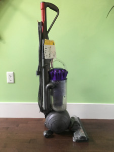 Dyson DC43 Animal Vacuum Cleaner