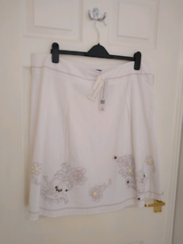 NEW + TAG Evie white linen fully lined embroidered skirt size 18