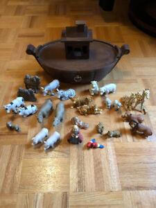 Noah's Ark Ceramic Figurines/Wooden Ship