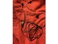 BLACK SAMSUNG EAR PHONE