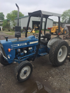 FORD 2600 TRACTOR WITH 72 FINSHING MOWER ONLY $6500
