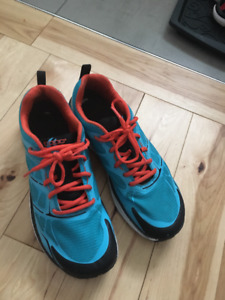 topo Athletic shoes runners