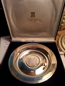 QUEEN ELIZABETH'S 25th Anniversary Commemorative Plate & Coin