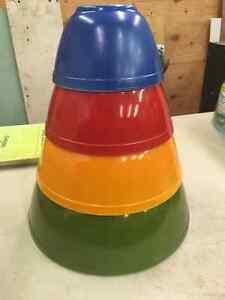 Vintage Pyrex Mixing Bowls Excellent