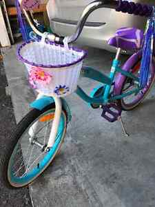 Girls bike Belleville Belleville Area image 1