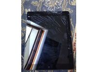 Cracked Apple iPad 2 16Gb wifi and sim