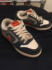 Nike 6.0 size 3 trainer
