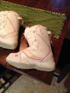 Womens snow board boots - Size 8 Stratford Kitchener Area image 3