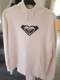Roxy hoodie in excellent condition... size 10.. . . . . . . . .