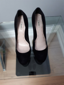 Miu Miu Italy Black Suede High Heel Designer Shoes - Size 8.5