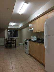 4-month or 8-month sublet in 5-bedroom apartment