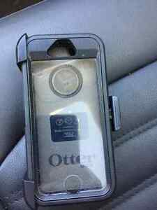OTTER BOX CASE FOR 5S WITH CLIP FOR SALE London Ontario image 1