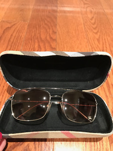 Burberry Aviator Sunglasses - Womens