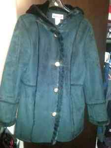 Size lrg/xl lrg.Midtown microsuede coat with faux fur trim