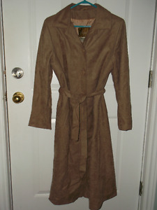 REDUCED PRICING---Ladies Lovely Full Length Fall/Spring Coat