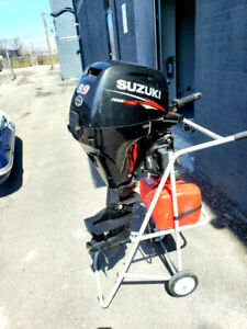 Outboard Suzuki 9.9 short shaft Fourstroke with low hours