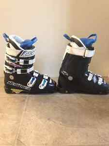 Youth Nordica downhill ski boots size 6 London Ontario image 2