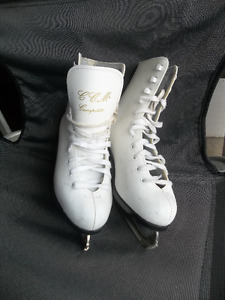 2 pairs of size 2 girls figure skates $20each