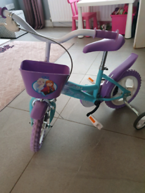 Girls frozen bike 12' with stabilisers
