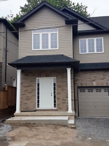Gorgeous Student Rental in Thorold!! **ALL INC**