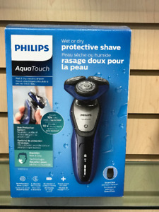 PHILIPS Aqua Touch Wet &Dry electric shaver S5600/12