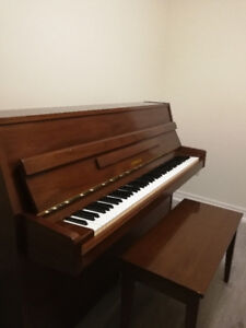 YAMAHA M5J Upright Piano (Mahogany) - Made in Japan