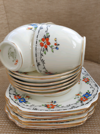 Gladstone china cups, saucers and side plates