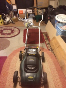 """BATTERY OPERATED YARDWORKS LAWNMOWER 14""""/24V"""