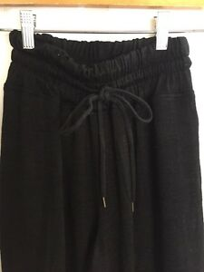 ARITZIA WFREE HIGHWAISTED JOGGERS XS $35 *Calgary*
