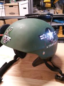 Men's snowboard helmet