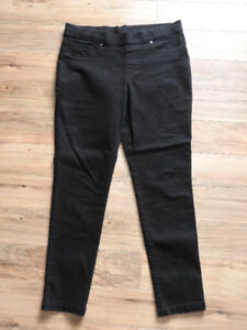 Women's black pants/bottoms only $8! (fits medium-large)