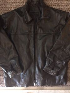 2 men's md leather coats