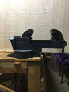 """4"""" x 5.5"""" swivel base bench vice with pipe jaws"""