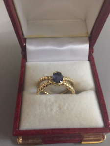 18Kt Yellow Gold Sapphire ring