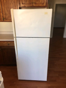 Used Fridge Works White Color