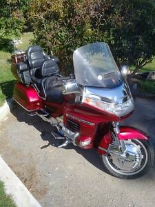 AWESOME GOLD WING NEED IT GONE!!!!!!!