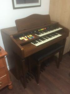 Orgue Hammond 2 claviers avec bédales
