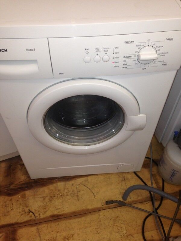 Bosch max 6 Washing machine in mint condition with a warranty of three months