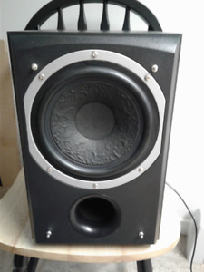 Powered Subwoofer - Quest Model QS8