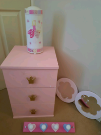 Girls bedroom furniture items (Pink)