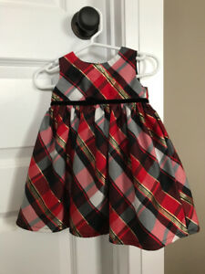Baby girl dresses size 6M