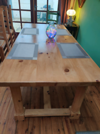 Large Dining/Kitchen table in time for Christmas