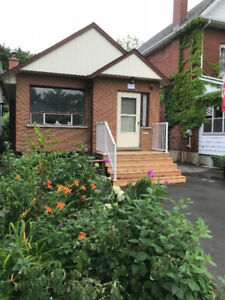3 bedroom house, beautifully renovated, Toronto Mimico near Lake