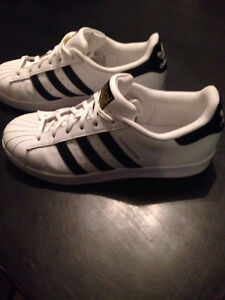 Adidas Superstars - unisex - white & black classic - size 7 male