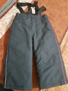 2 yr old boy snow pant like new 5$