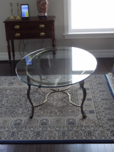OVAL  COFFEE TABLE WITH  GLASS TOP