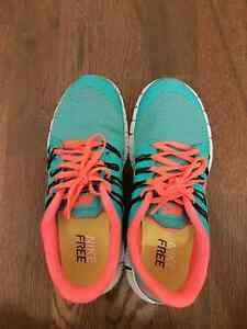Nike Free women sneakers size  West Island Greater Montréal image 6